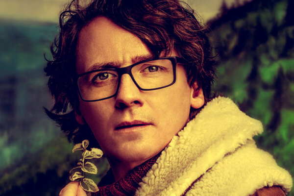 A photograph of comedian Ed Byrne